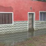 AGUAS SERVIDAS INUNDAN CASAS EN BARRIO PARQUE ARTIGAS